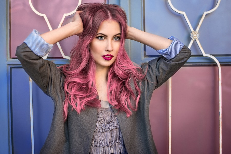 grunge hairstyle for long layered pink hair