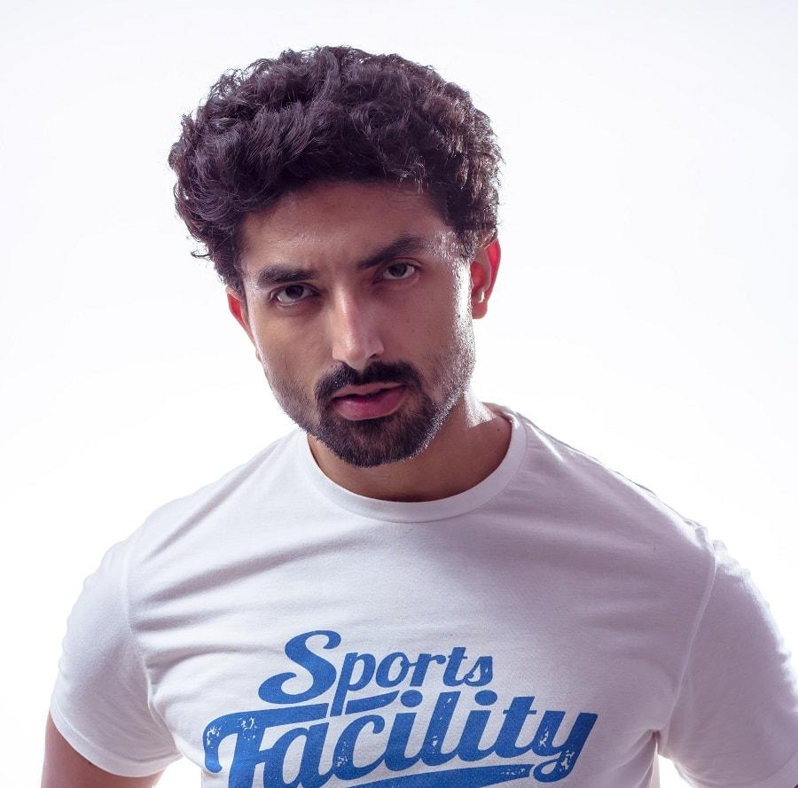 short beard style with curly hair