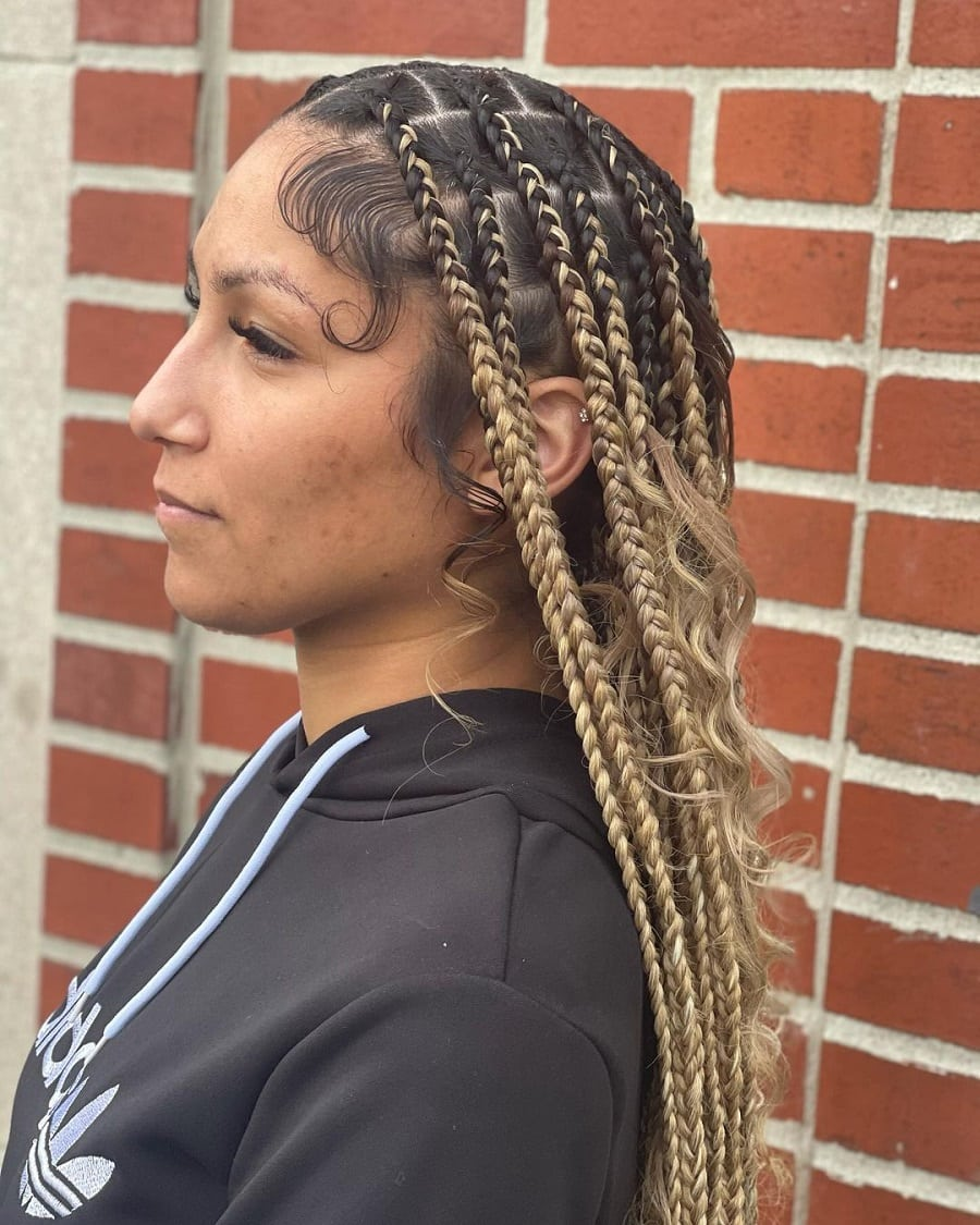 knotless box braids with highlights