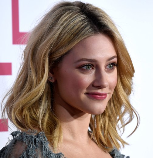 30 Medium Length Hairstyles For An Admiring Appeal
