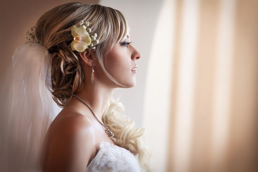 half up half down wedding hairstyle for blonde hair