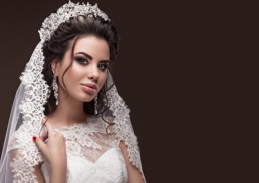 long wedding hairstyle with veil on top