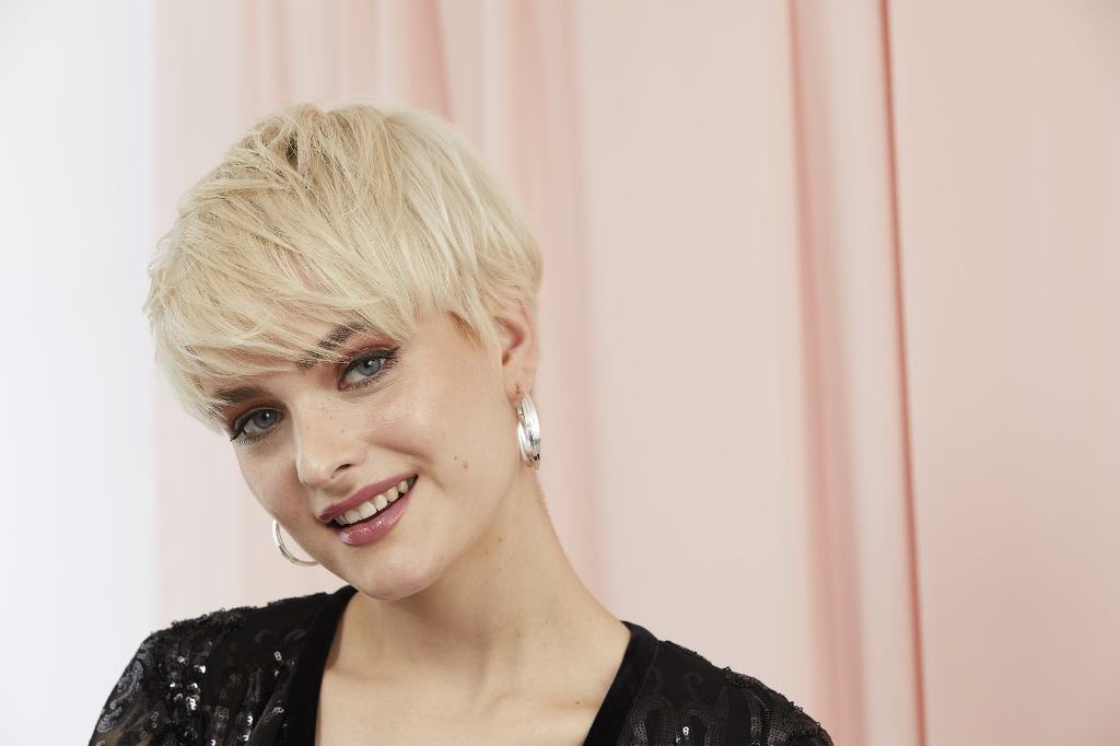 25 Beautiful Pixie Cut for Round Faces Women