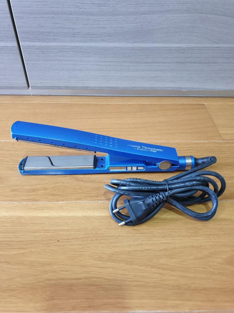 BaByliss Pro Nano Titanium Hair Straightener