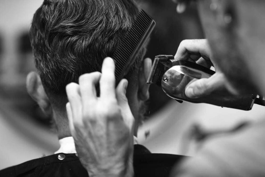 10 Best Barber Clippers To Change Your Look Easily