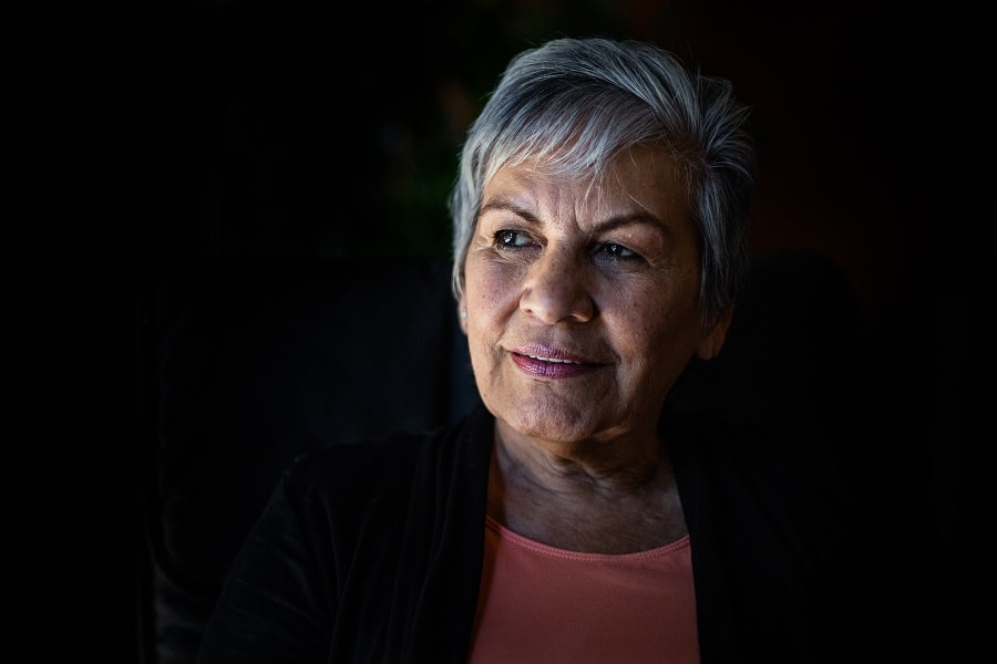 short thick grey hairstyle for older woman