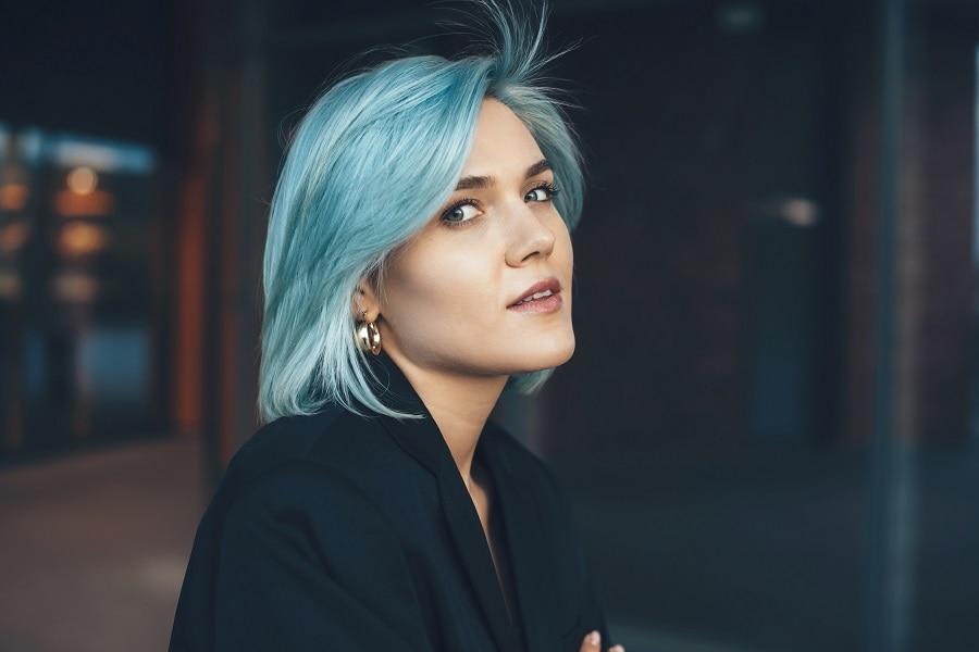 bob with medium length blue hair